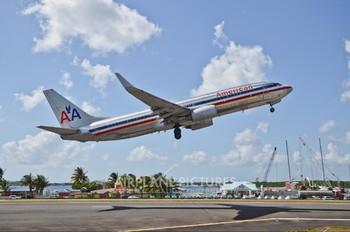 N903AN - American Airlines Boeing 737-800