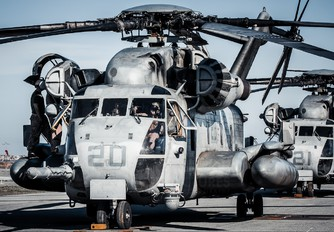 - - USA - Marine Corps Sikorsky CH-53 Sea Stallion