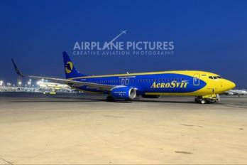 UR-AAO - Aerosvit - Ukrainian Airlines Boeing 737-800