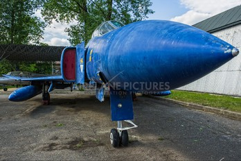 XT 899 - Royal Air Force McDonnell Douglas F-4M Phantom FGR.2