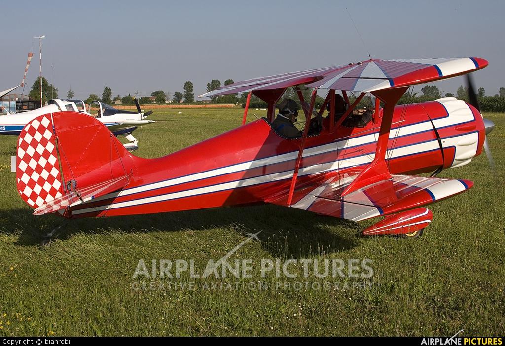 Private I-6051 aircraft at Curtatone