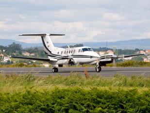 G-ZVIP - Private Beechcraft 200 King Air