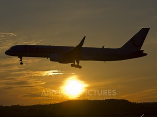 - - Thomson/Thomsonfly Boeing 757-200WL