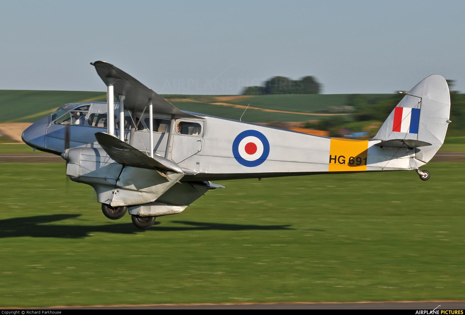Spectrum Leisure G-AIYR aircraft at Duxford