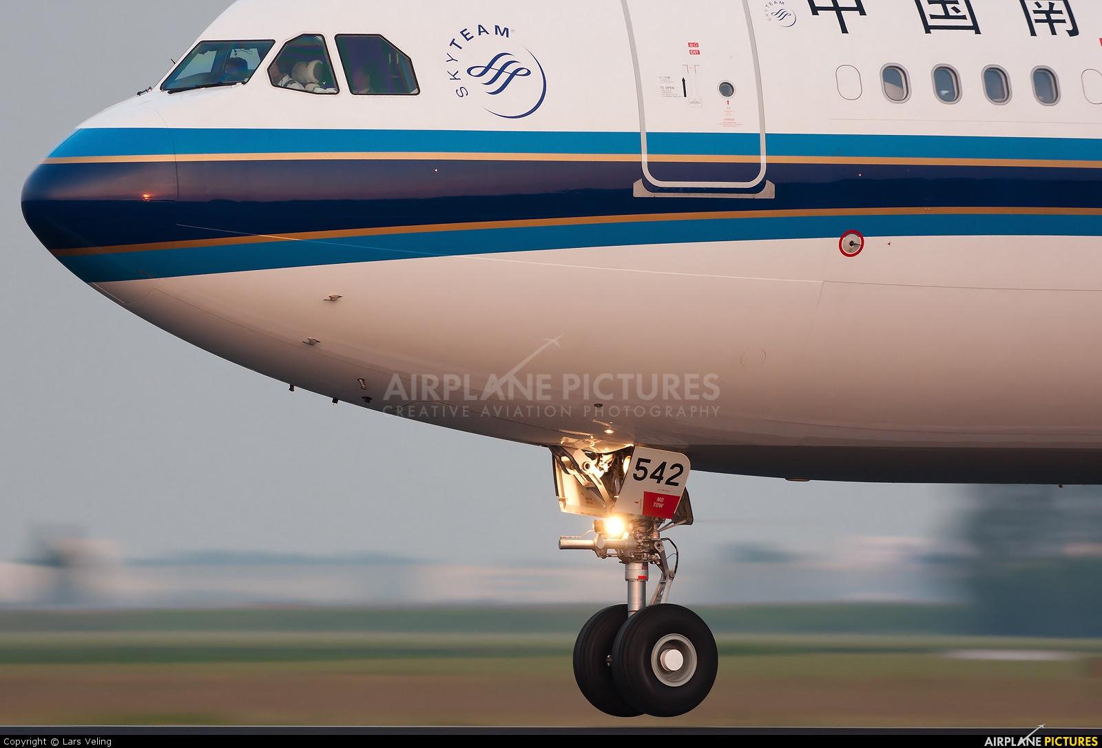 China Southern Airlines B-6542 aircraft at Amsterdam - Schiphol