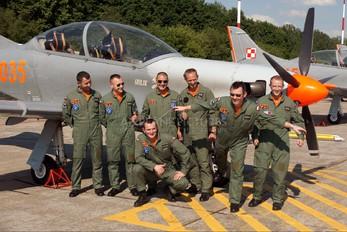 "2035 - Poland - Air Force ""Orlik Acrobatic Group"" PZL 130 Orlik TC-1 / 2"