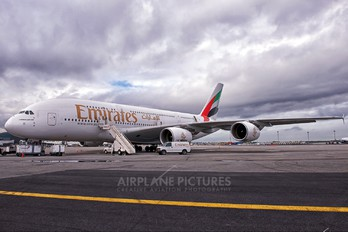 A6-EDE - Emirates Airlines Airbus A380