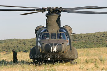 HT.17-14 - Spain - Army Boeing MH-47D Chinook