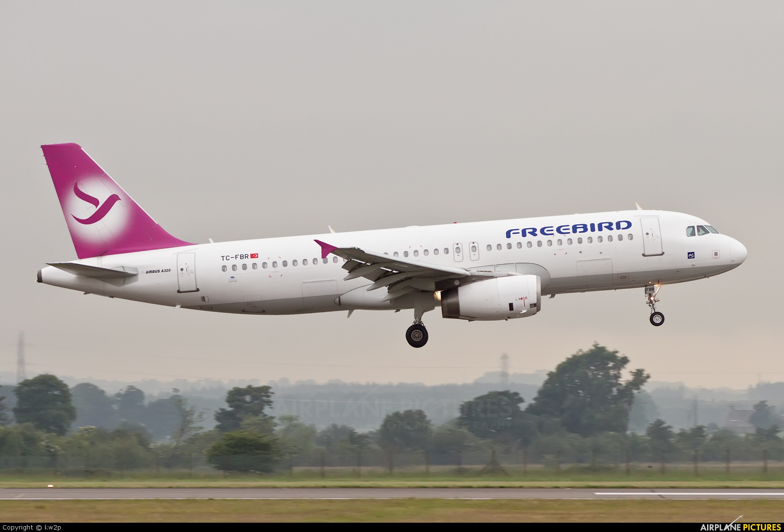 Tc Fbr Freebird Airlines Airbus A320 At Glasgow Photo Id 221742