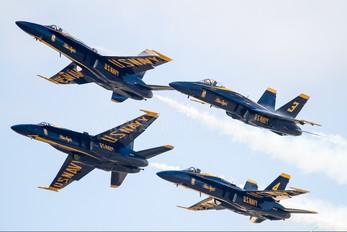 163705 - USA - Navy : Blue Angels McDonnell Douglas F/A-18A Hornet