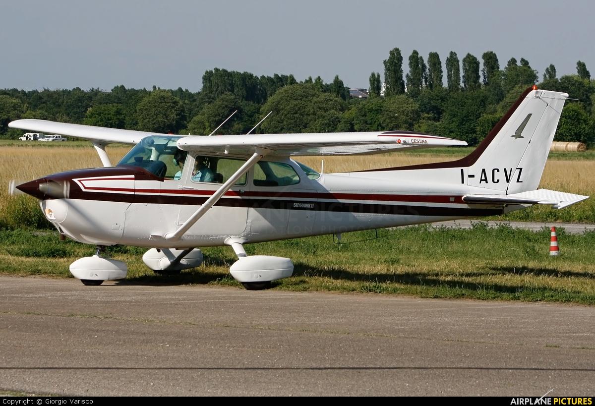 Private I-ACVZ aircraft at Milan - Bresso