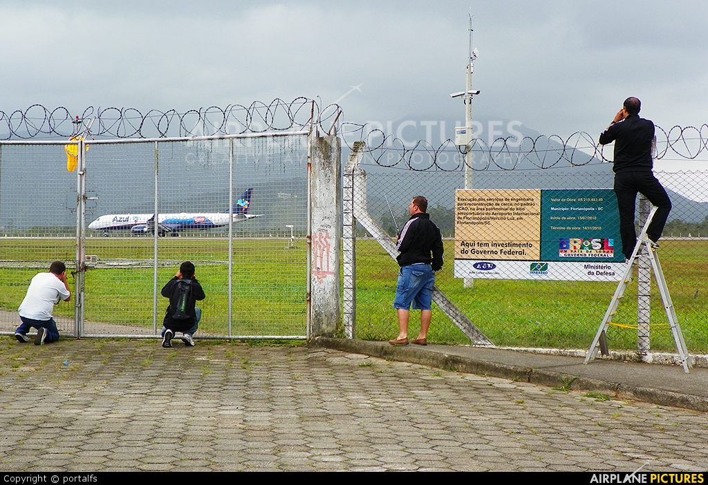 - Airport Overview - aircraft at Florianópolis - Hercílio Luz Intl