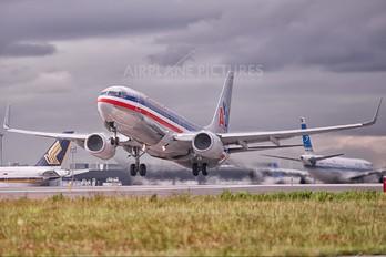 N830NN - American Airlines Boeing 737-800