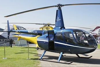 N66UK - Sloane Helicopters Robinson R66
