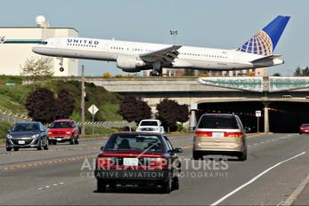 N543UA - United Airlines Boeing 757-200