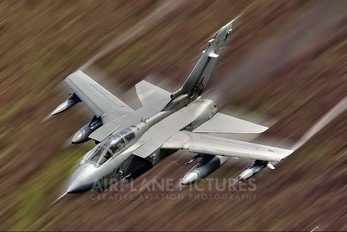 ZA395 - Royal Air Force Panavia Tornado GR.4 / 4A