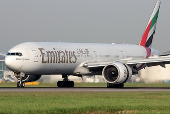 A6-EBH - Emirates Airlines Boeing 777-300ER