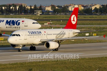 TC-JLN - Turkish Airlines Airbus A319