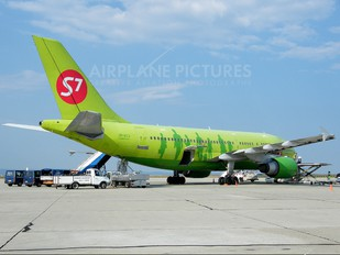 VP-BTJ - S7 Airlines Airbus A310