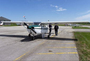 C-FEVS - Private Cessna 172 Skyhawk (all models except RG)