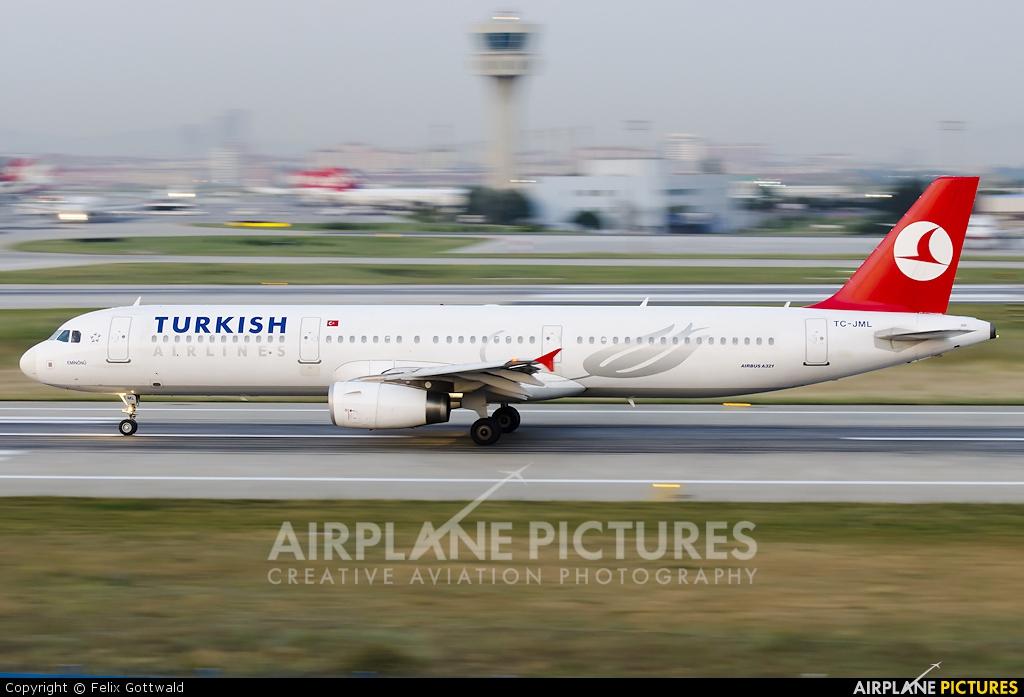 Turkish Airlines TC-JML aircraft at Istanbul - Ataturk