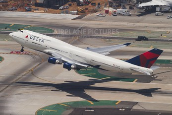 N664US - Delta Air Lines Boeing 747-400