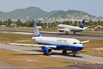 N406UA - United Airlines Airbus A320