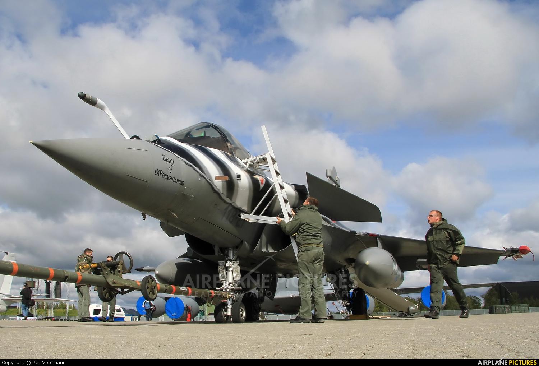 France - Air Force 102 aircraft at Orland