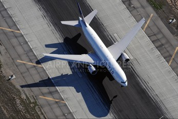N222UA - United Airlines Boeing 777-200ER