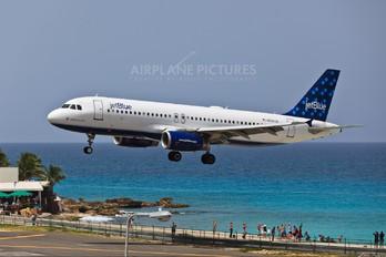 N558JB - JetBlue Airways Airbus A320