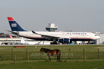 N283AY - US Airways Airbus A330-200