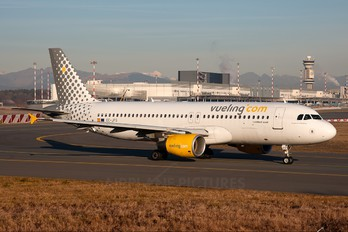 EC-JFG - Vueling Airlines Airbus A320