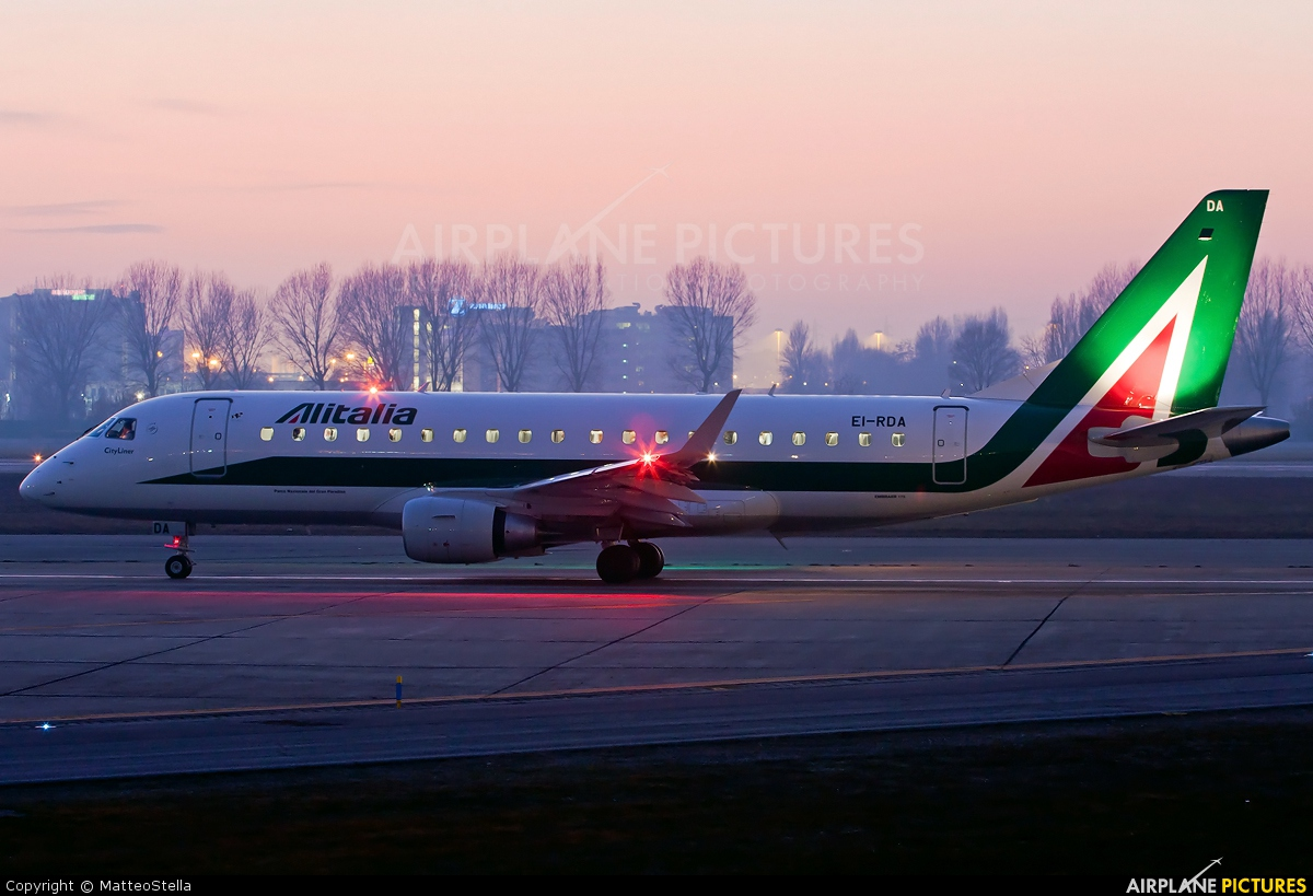 Alitalia EI-RDA aircraft at Milan - Linate
