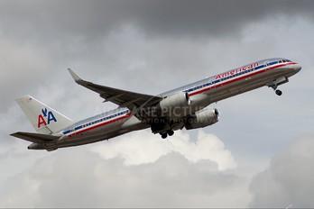 N175AN - American Airlines Boeing 757-200