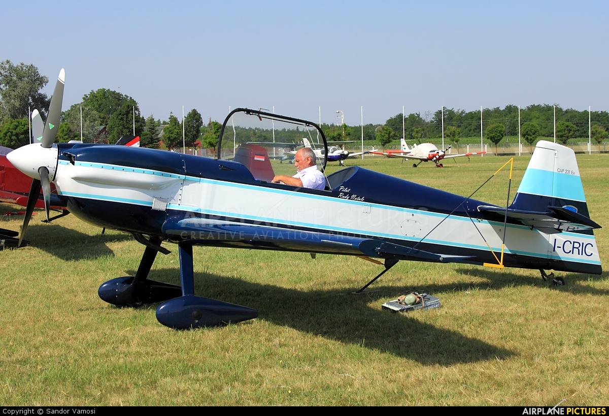 Private I-CRIC aircraft at Matkópuszta