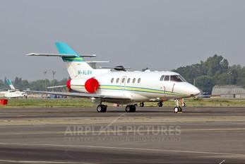 M-ALBA - Private Hawker Beechcraft 800