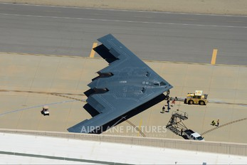 88-0328 - USA - Air Force Northrop B-2A Spirit