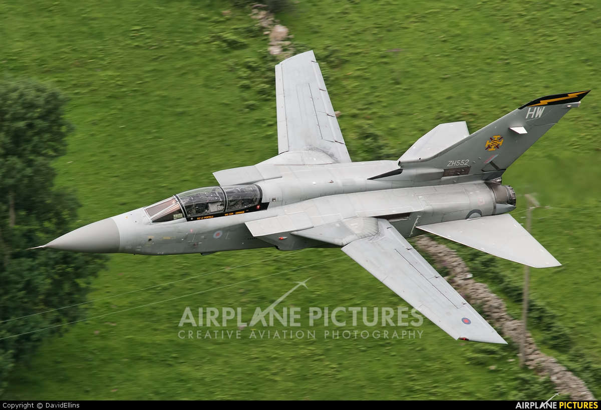 UK - QinetiQ ZH552 aircraft at Machynlleth LFA7