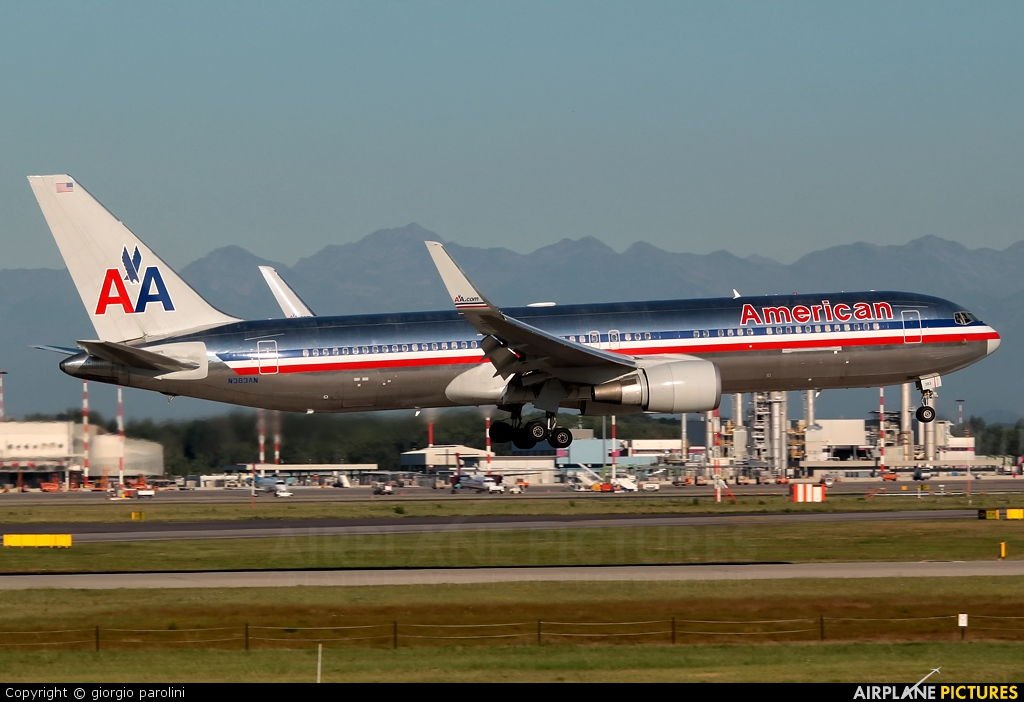 N383AN - American Airlines Boeing 767-300 at Milan ...