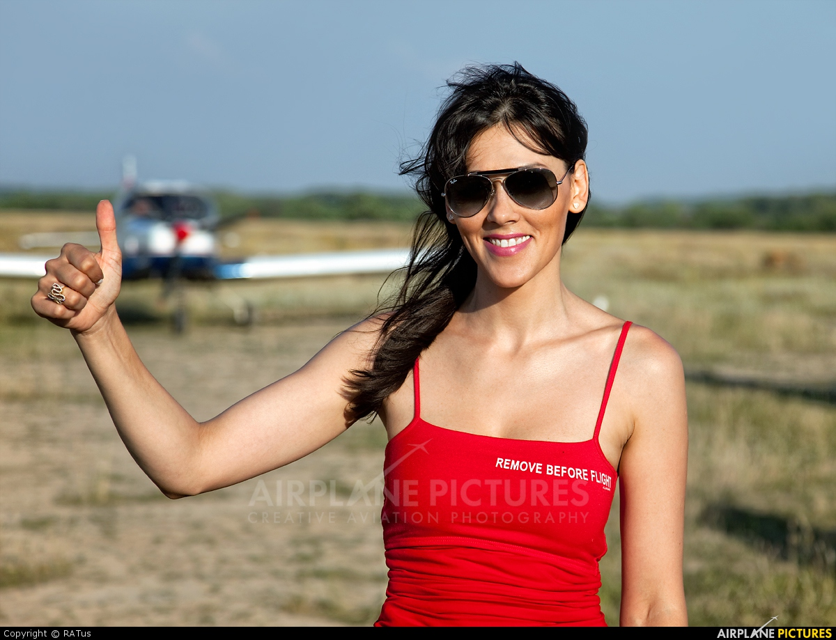 - Aviation Glamour - aircraft at Off Airport - Romania