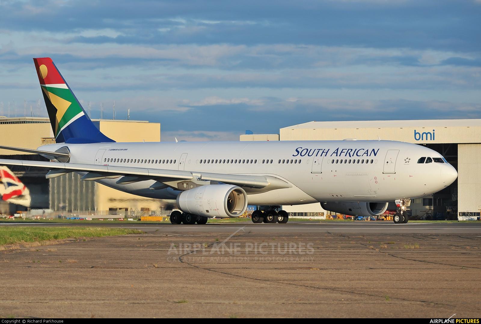 South African Airways ZS-SXW aircraft at London - Heathrow