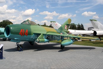 414 - Poland - Air Force PZL Lim-6bis