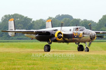 N2825B - Private North American RB-25 Mitchell