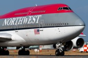N667US - Northwest Airlines Boeing 747-400 aircraft