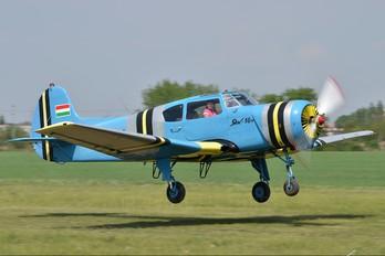 HA-YAM - Private Yakovlev Yak-18T