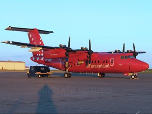 OY-CBU - Air Greenland de Havilland Canada DHC-7-100 series