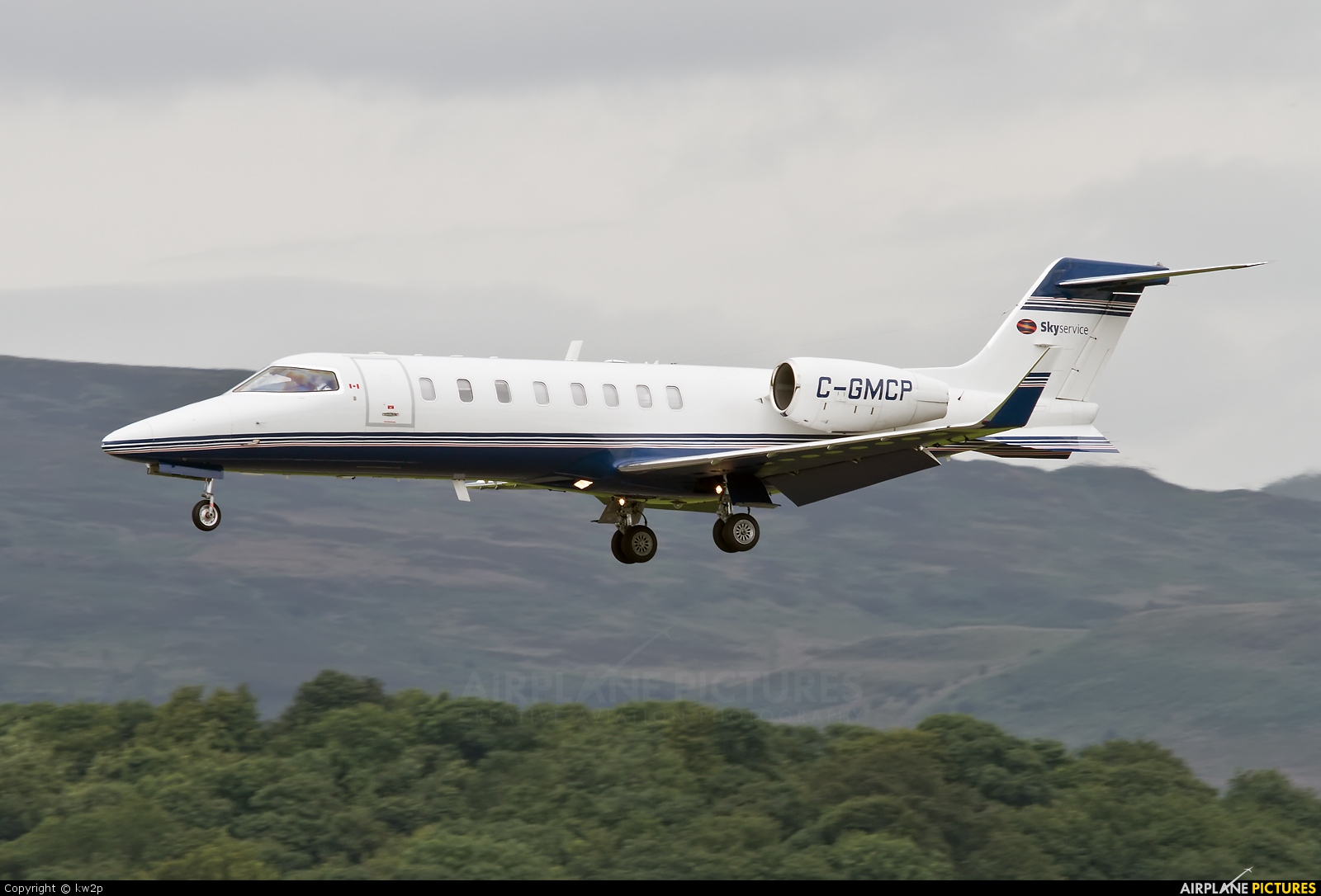 Skyservice Business Aviation C-GMCP aircraft at Glasgow