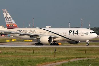 AP-BHX - PIA - Pakistan International Airlines Boeing 777-200ER