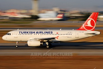 TC-JLU - Turkish Airlines Airbus A319