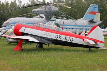 OK-KIO - Private Yakovlev Yak-11
